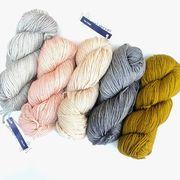 Eine kleine Auswahl der neuen @malabrigoyarn Rios Lieferung! Da fällt es uns richtig schwer, uns für eine zu entscheiden... --- #maschenwerkstattgraz #maschenwerkstatt #yarn #malabrigo #malabrigorios #yarnlove #knitstagram #wolle #knitting #merino